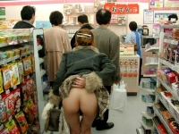 Shoppers 11