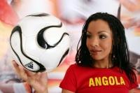 Soccer_girls_angola_16