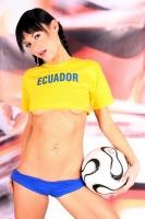 Soccer_girls_ecuador_02