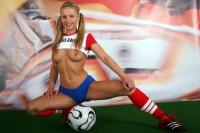Soccer_girls_england_02