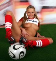 Soccer_girls_england_15