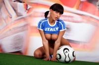 Soccer_girls_italy_16