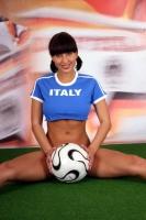 Soccer_girls_italy_18