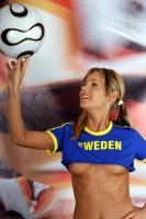Soccer_girls_sweden_01
