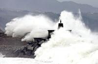 Stormy_seas_01