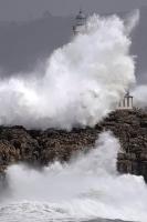 Stormy_seas_02