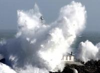 Stormy_seas_04