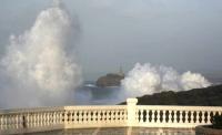 Stormy_seas_23