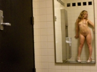 The Ladies Room 02