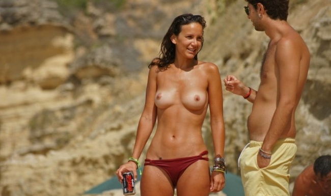 Topless 04