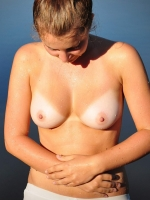 Topless 01
