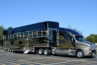 Ultimate_motorhome_13