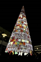 Unusual Christmas Trees 02