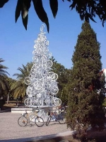 Unusual Christmas Trees 03