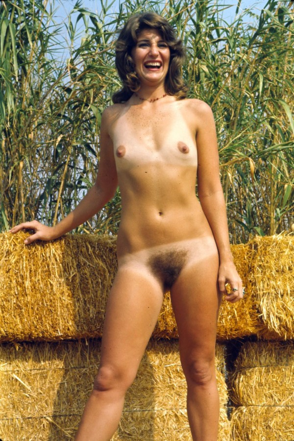 Nudism or nudist picture gallery