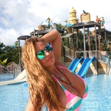 Water Park Perving 07