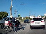 Car Hits A Cyclist At A Crossing Hen Grabs The Wrong Dude