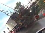 Delivery Driver Doesn't Realise He's Hooked The Scaffolding