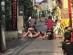 Drunk Aussie Bogans Receive Some Scooter Justice In Kuta