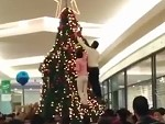 Muslim Shoppers Attack A Mall Christmas Tree