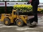 RC Front End Loader Is Seriously Impressive