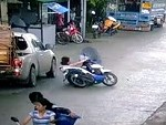 Why You Don't Use Umbrellas On Motorbikes